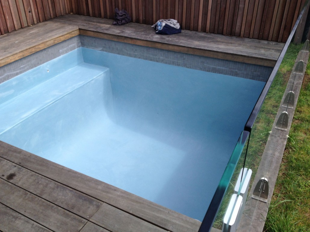 General construction concrete swimming pool photo - Cinder block swimming pool construction ...