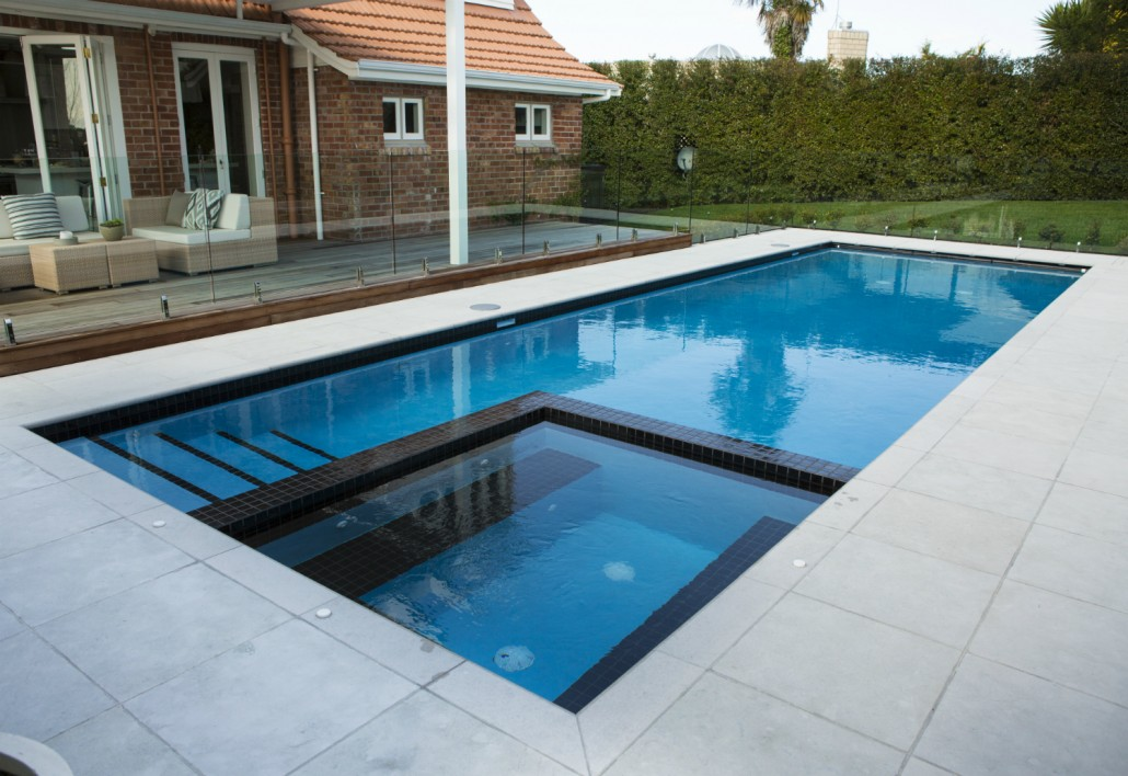 Remuera swimming pool concrete pool systems for Como construir una pileta de hormigon